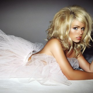Billie Piper widescreen