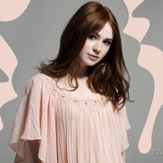 Karen Gillan download wallpapers