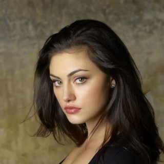Phoebe Tonkin download wallpapers