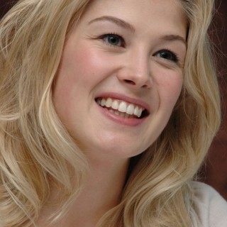 Rosamund Pike wallpapers desktop