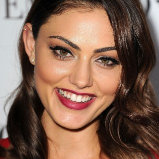 Phoebe Tonkin wallpapers desktop