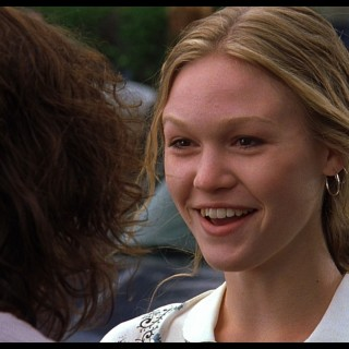 Julia Stiles widescreen