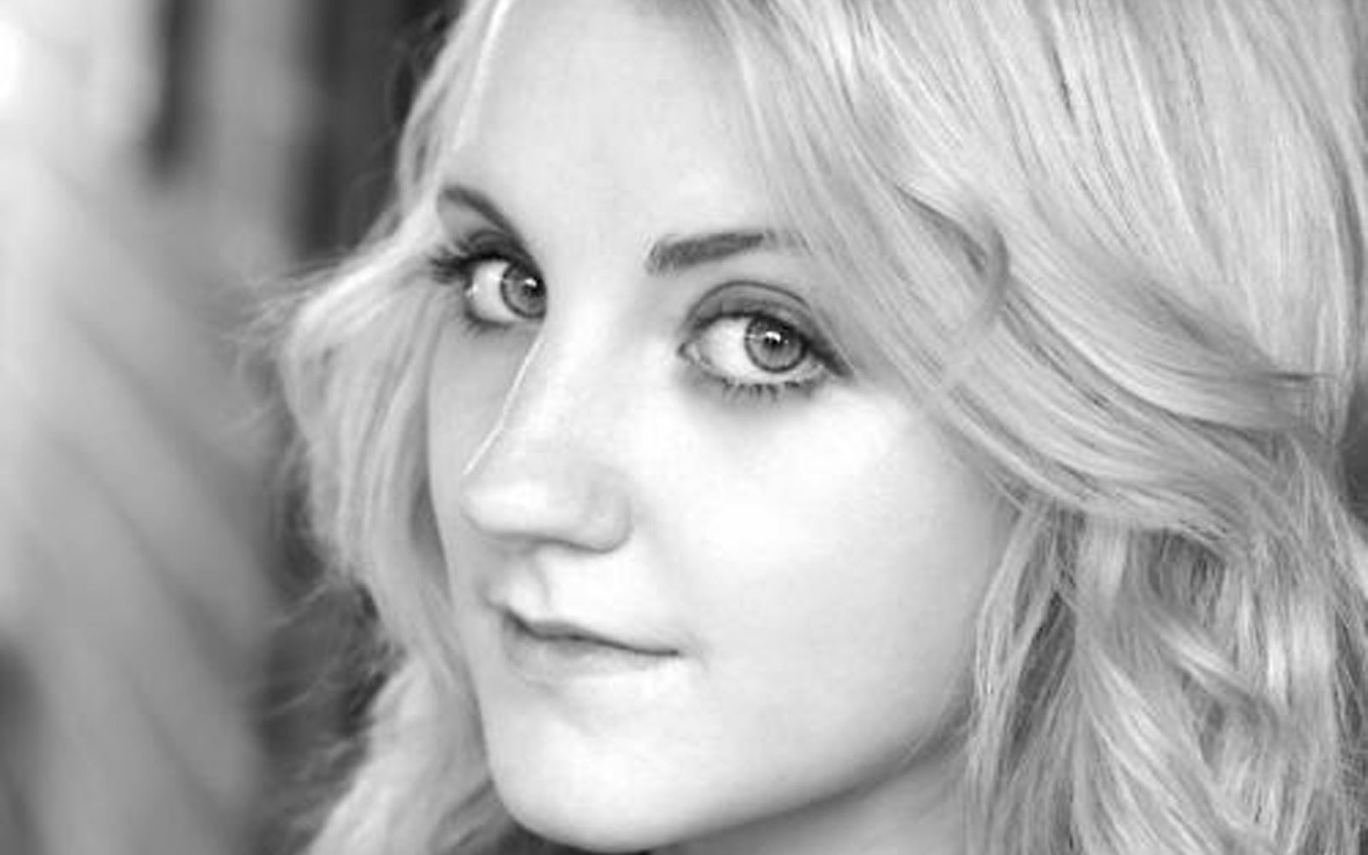 Evanna Lynch Hd Wallpapers For Desktop Download