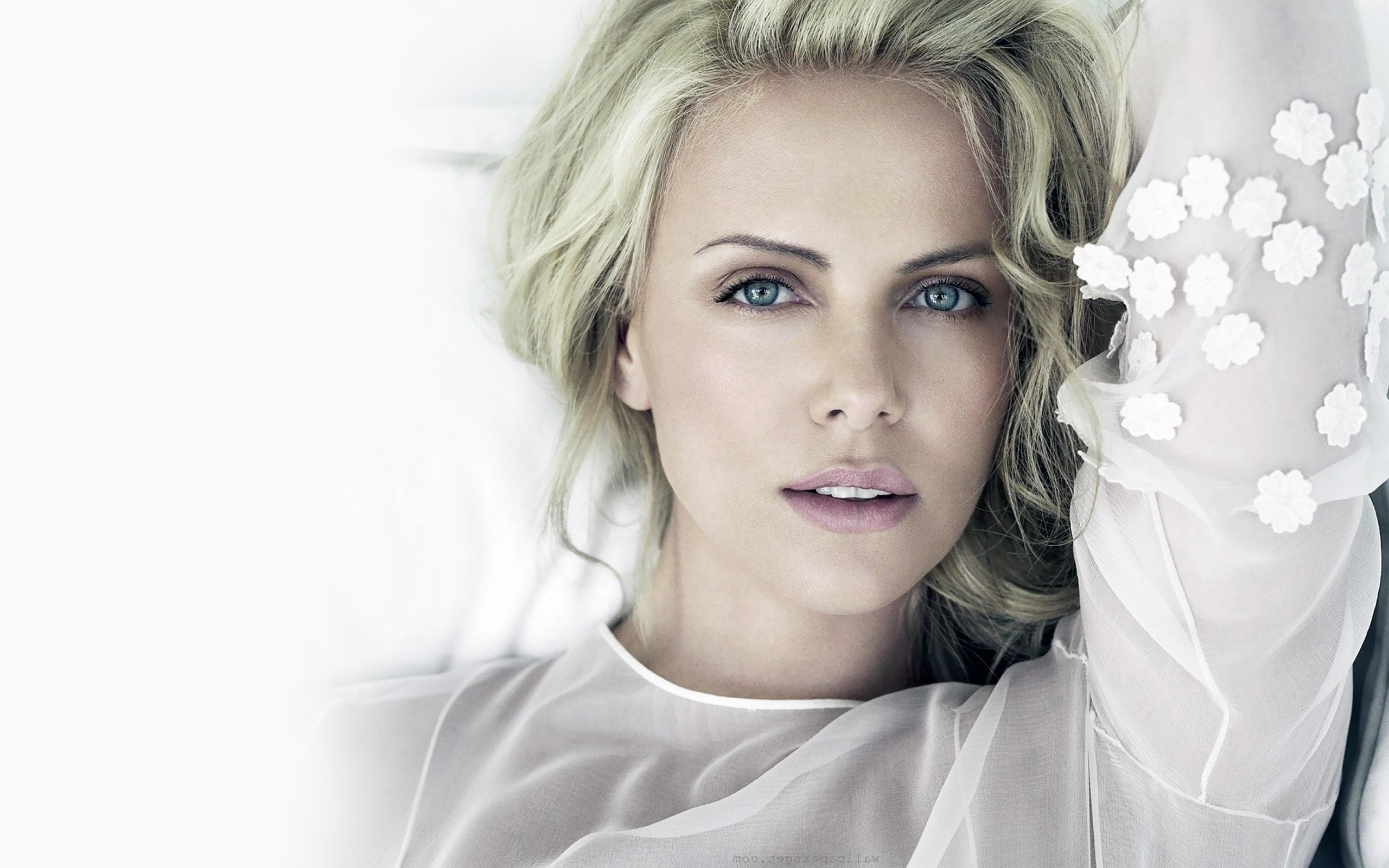 Charlize Theron HD Wallpapers for desktop download Charlize Theron