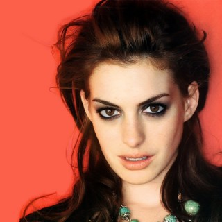 Anne Hathaway download wallpapers