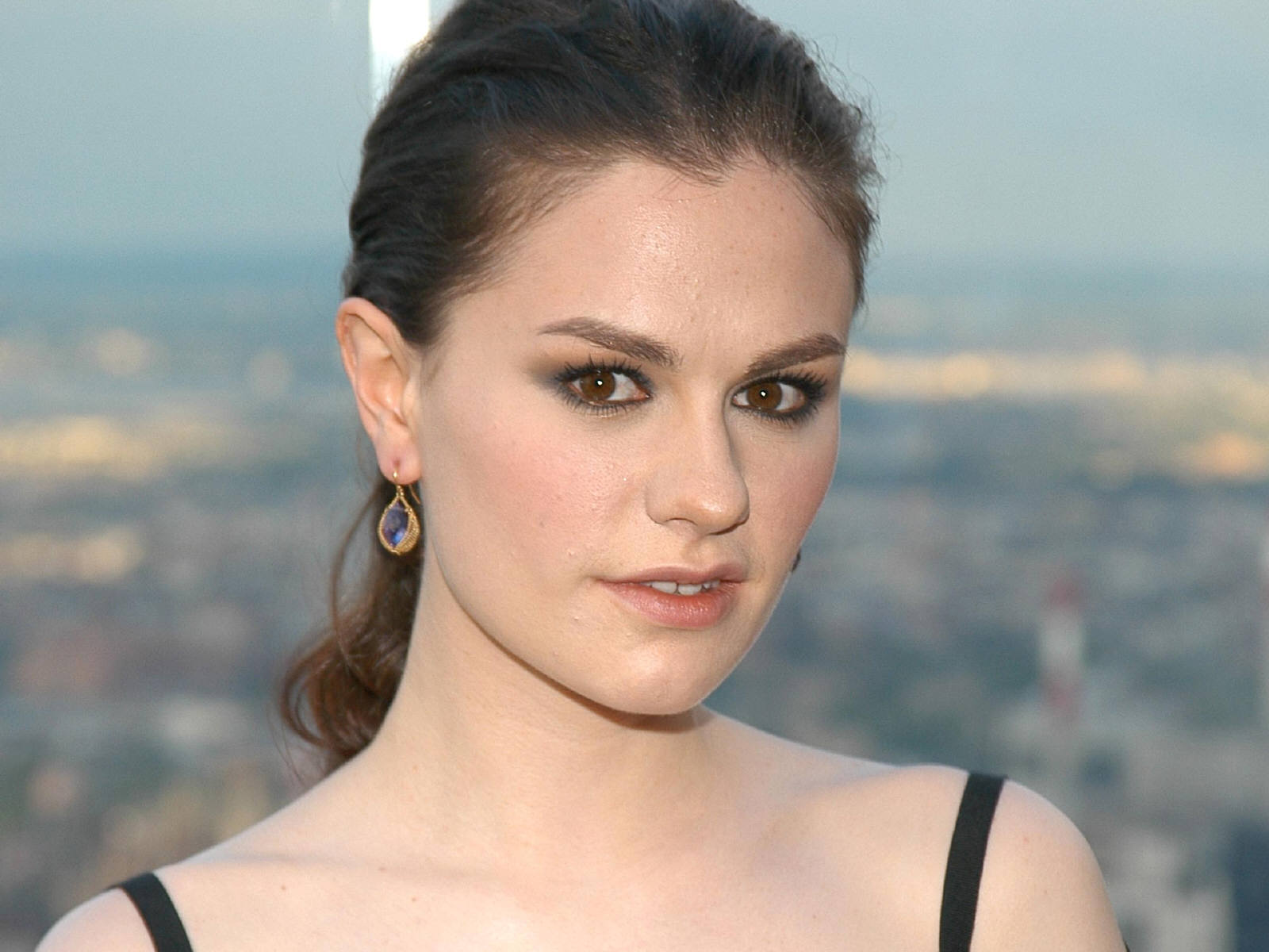 Anna Paquin free wallpapers Anna Paquin