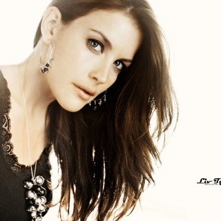 Liv Tyler download wallpapers