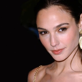 Gal Gadot download wallpapers