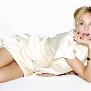 Uma Thurman background