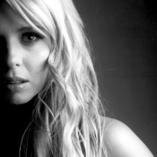 Tara Reid wallpapers desktop