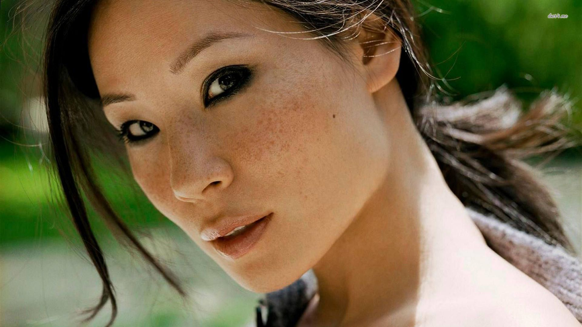 Lucy Liu HD Desktop Wallpapers