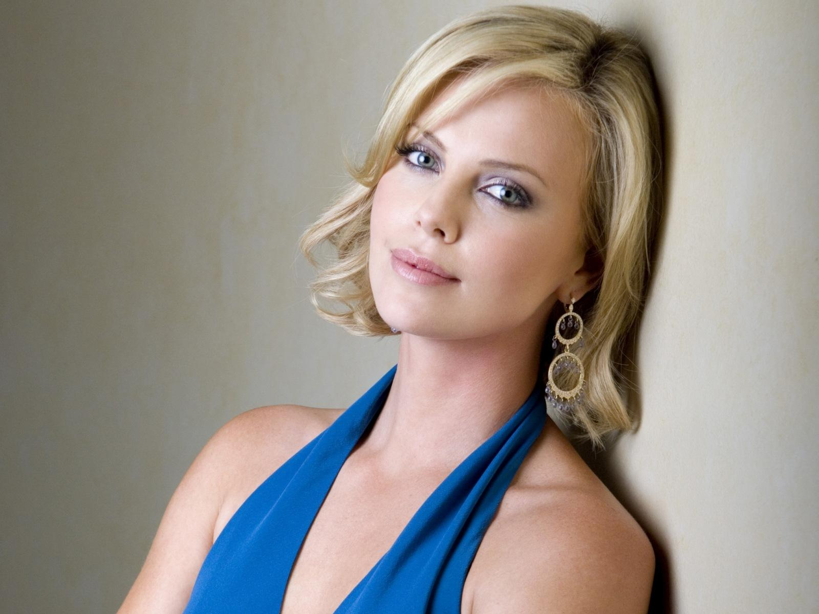 Charlize Theron HD Wallpapers for desktop download Charlize Theron Movies