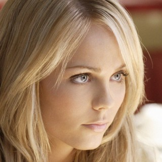 Laura Vandervoort free wallpapers