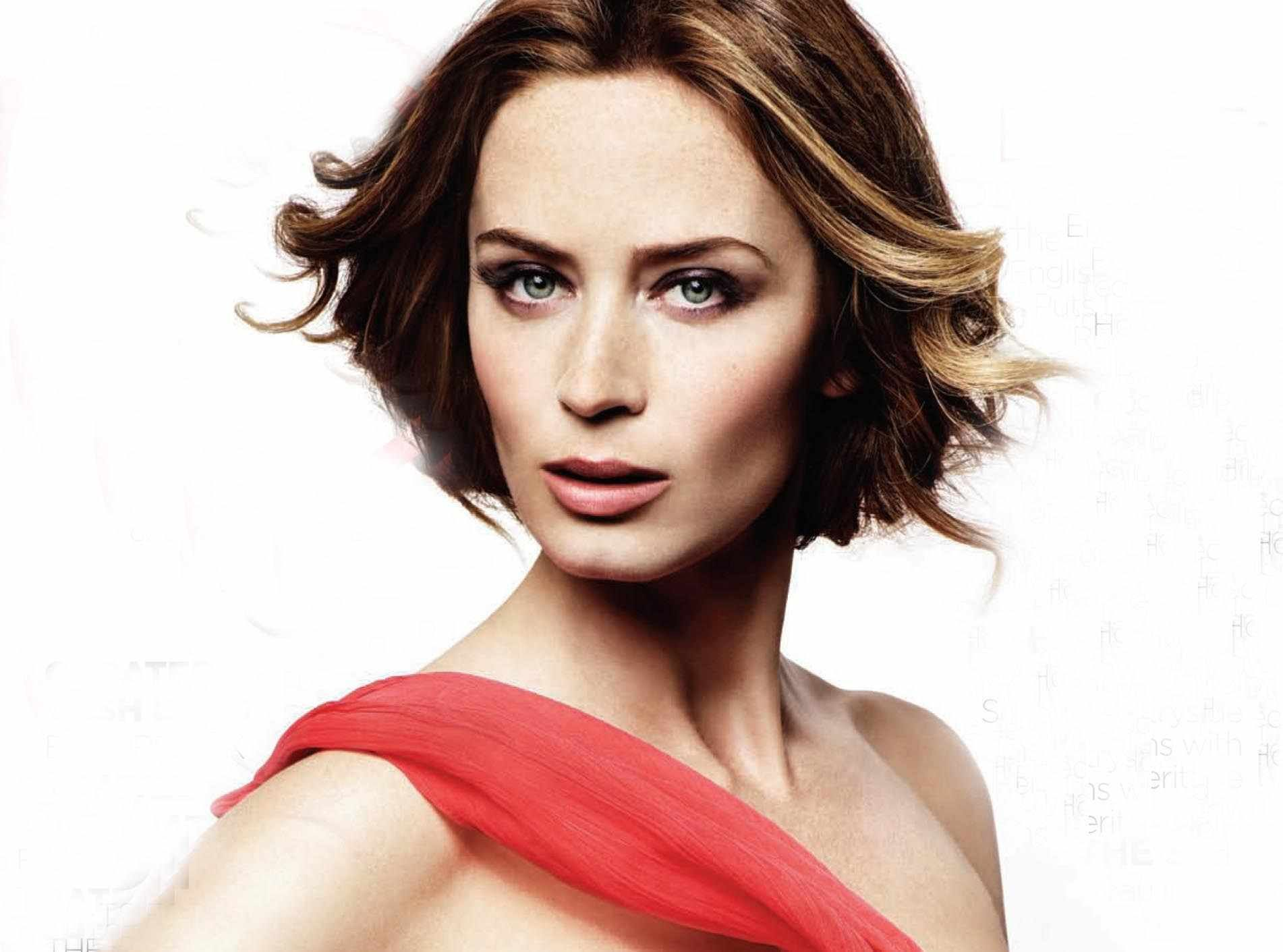 emily blunt hd wallpapers for desktop download