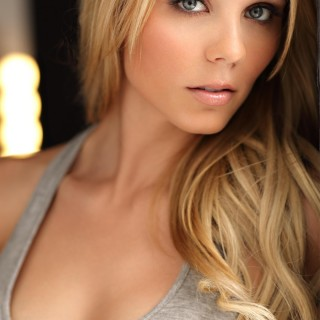 Laura Vandervoort high resolution wallpapers