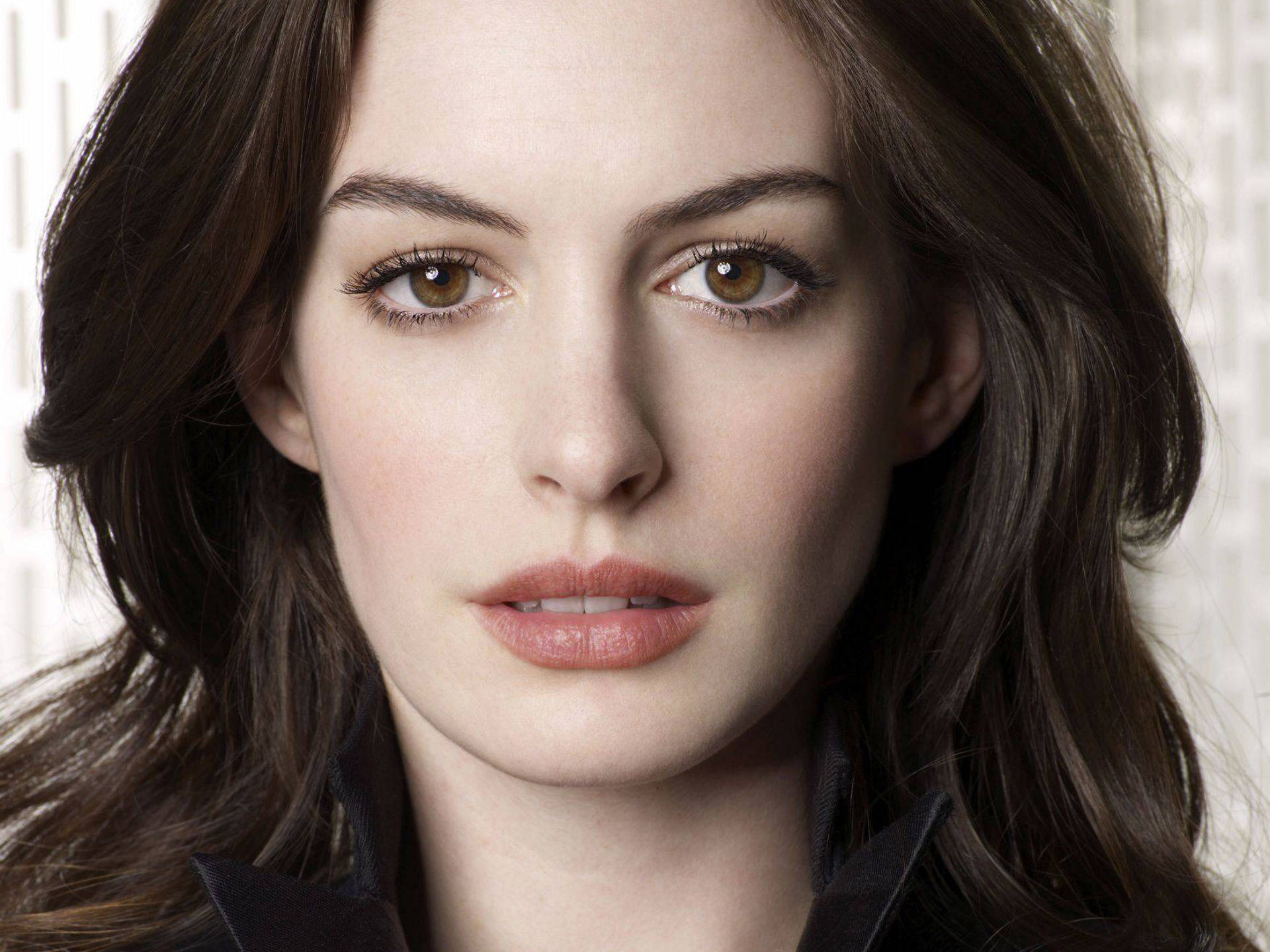 Anne Hathaway HD Wallpapers