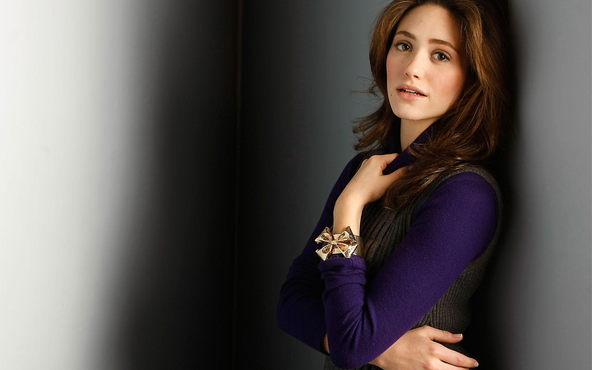 Emmy Rossum HD Wallpapers