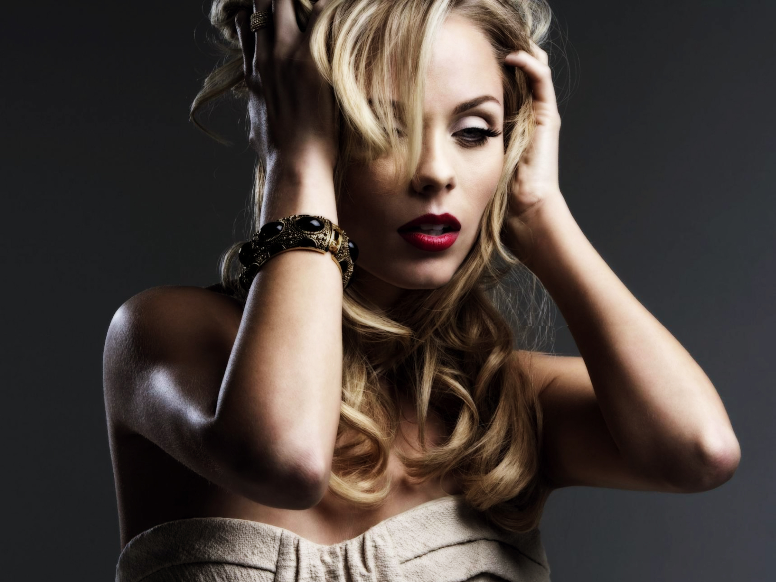 Laura Vandervoort Face Wallpaper 51085 1920x1080 px ~ HDWallSource.com