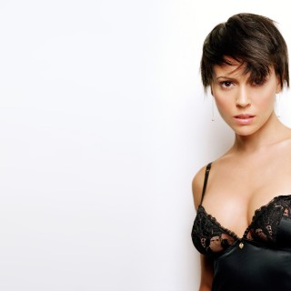 Alyssa Milano wallpapers desktop