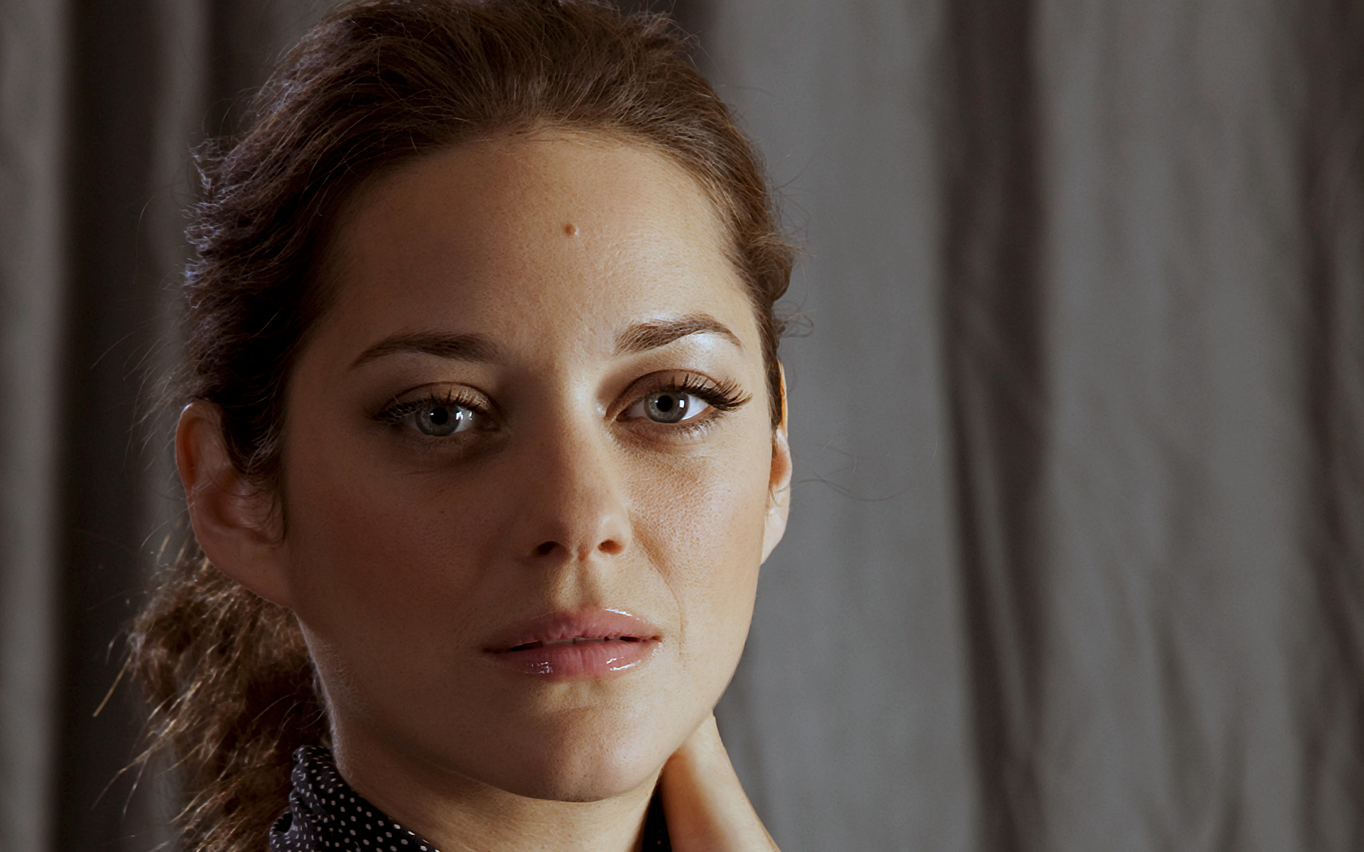 Marion Cotillard high