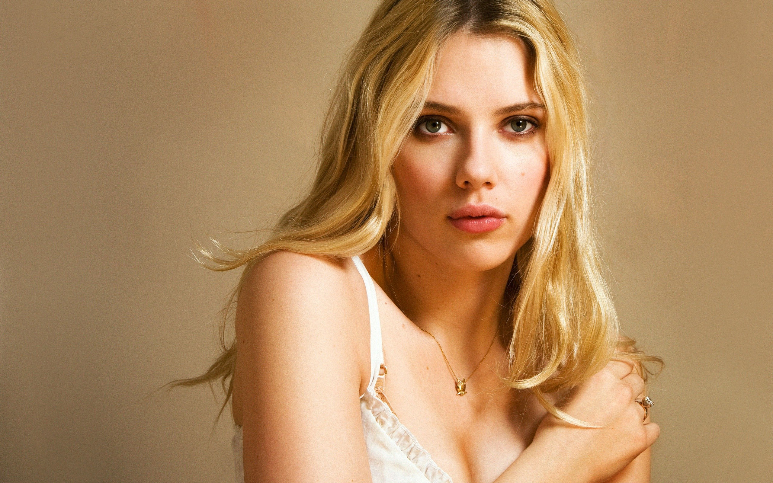 Scarlett Johansson Wallpaper: Scarlett Johansson HD Wallpapers For Desktop Download