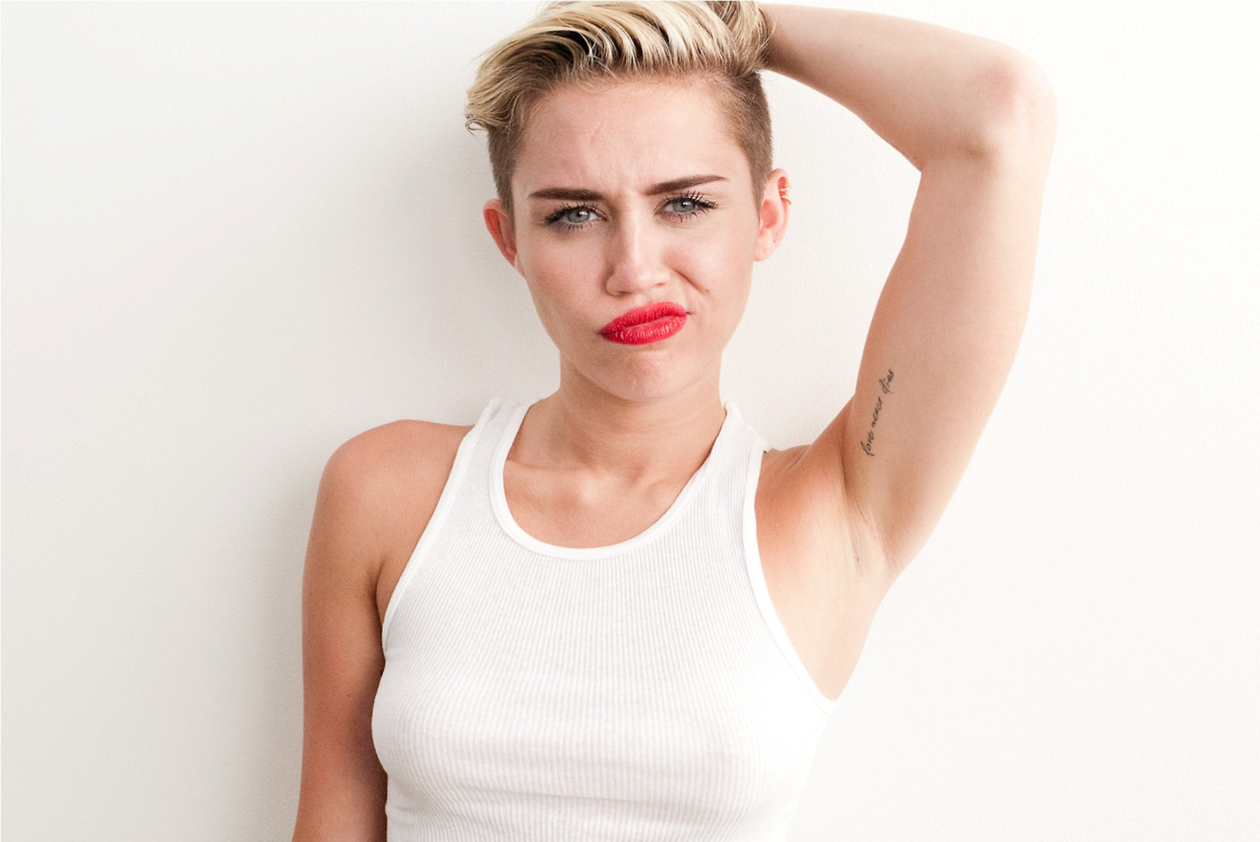 Miley Cyrus HD Wallpapers for desktop download
