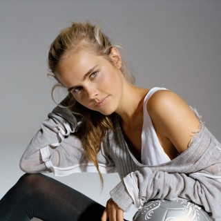 Isabel Lucas wallpapers desktop