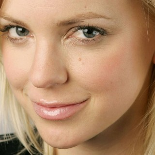 Anna Faris download wallpapers