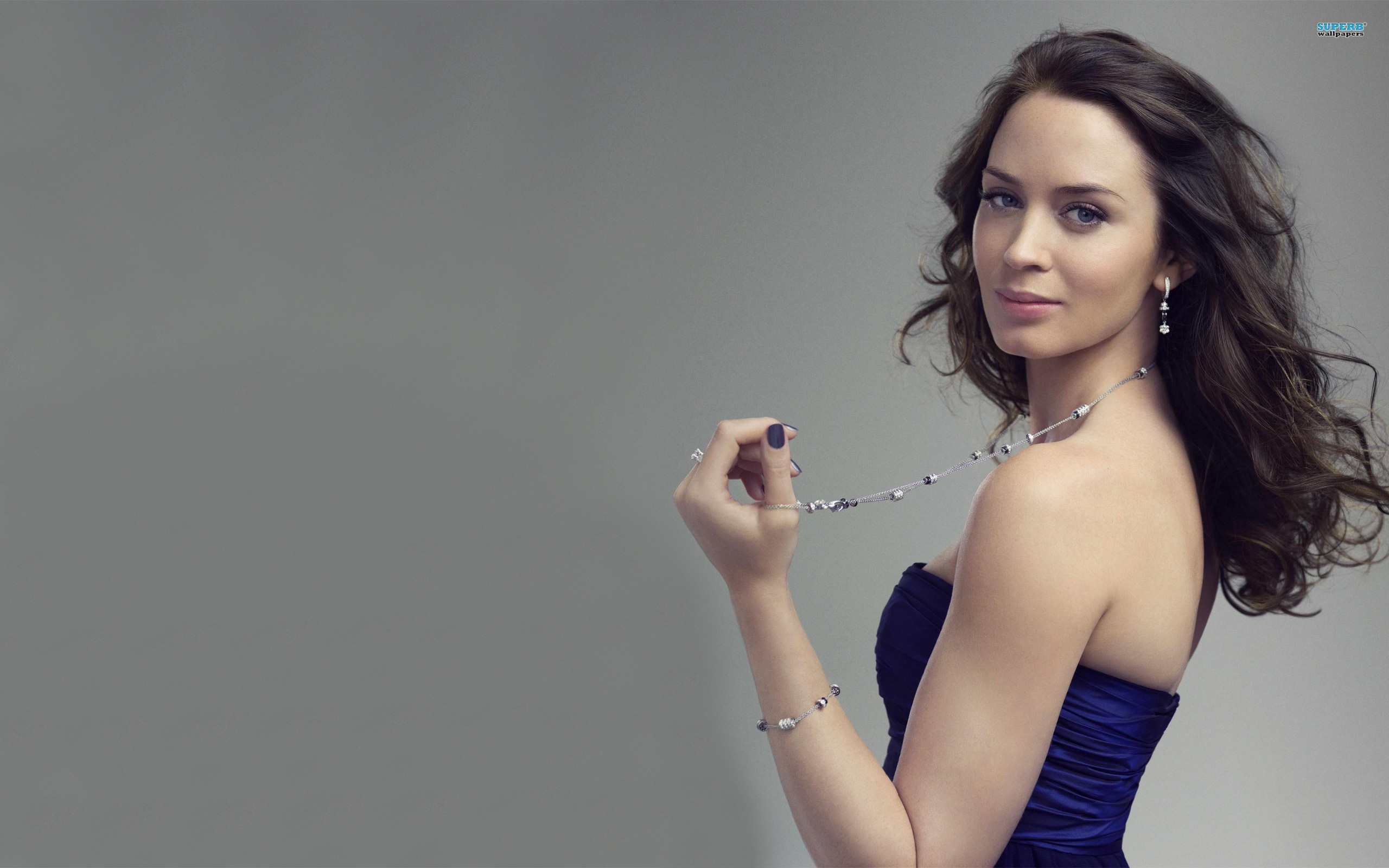 Emily Blunt HD Wallpapers for desktop download Emily Blunt