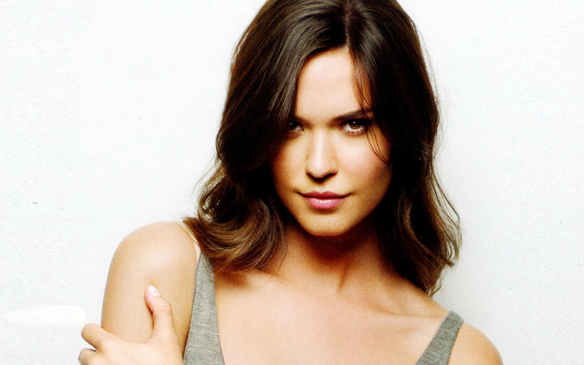 Odette Annable HD Wallpapers