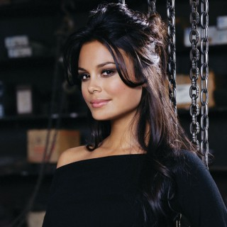 Nathalie Kelley background