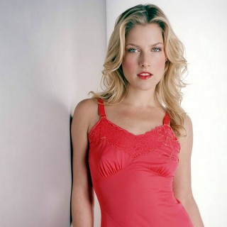 Ali Larter photos