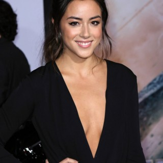 Chloe Bennet wallpapers desktop