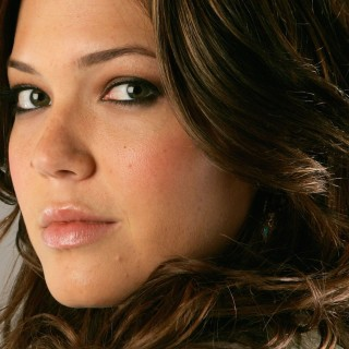 Mandy Moore new