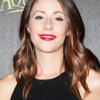 Amanda Crew wallpapers