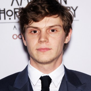 Evan Peters pics