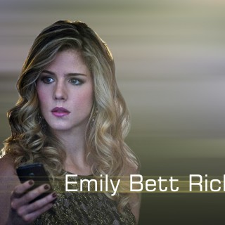 Emily Bett Rickards high resolution wallpapers