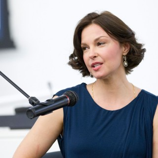 Ashley Judd high resolution wallpapers