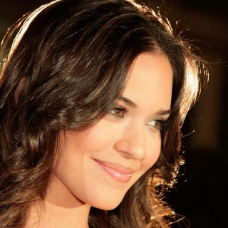 Odette Annable new
