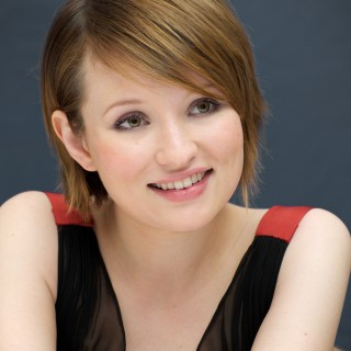 Emily Browning download wallpapers
