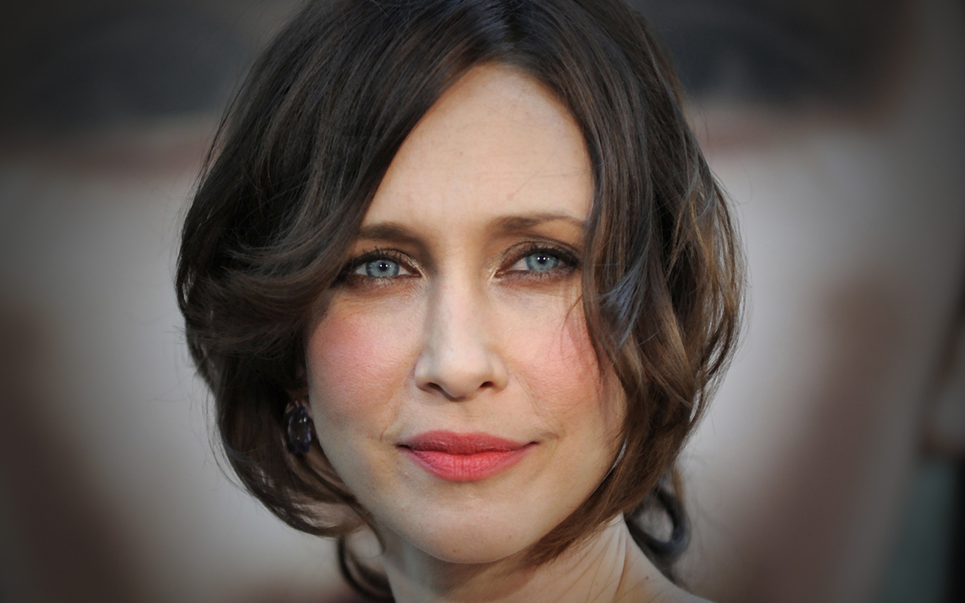 Vera Farmiga HD Wallpapers