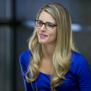 Emily Bett Rickards download wallpapers