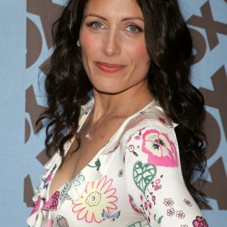Lisa Edelstein background