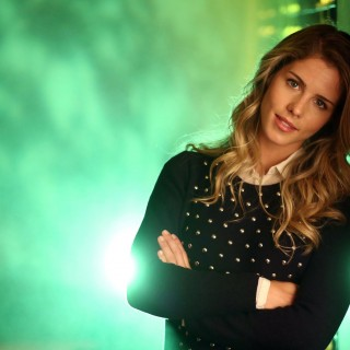 Emily Bett Rickards wallpapers widescreen