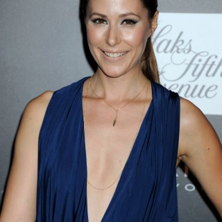 Amanda Crew hd wallpapers
