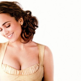 Alice Braga free wallpapers