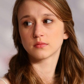 Taissa Farmiga download wallpapers