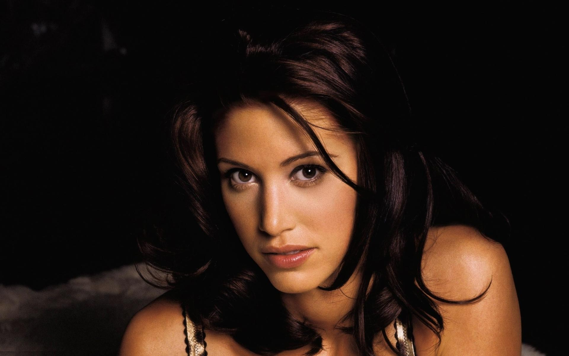 Shannon Elizabeth HD Wallpapers