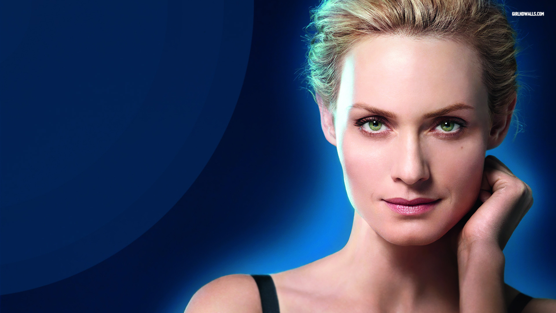 Amber Valletta HD Wallpapers
