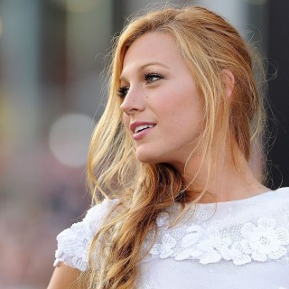 Blake Lively download wallpapers